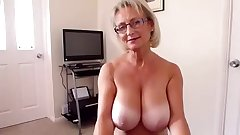 Big boobs mature handjob