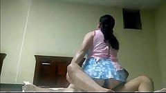 señ_ora aprovecha para cojer mientras su hija esta en el colegio