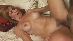Hot Mature Cougar Mikela Kennedy