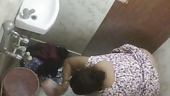 BBW Mature Indian Milf Washing In Bathroom