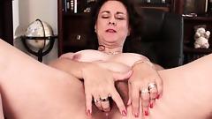 Hairy Wife Gianna Jones Masturbates On Desk