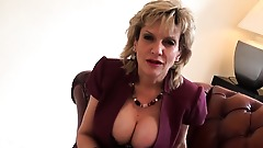 Cheating british milf lady sonia reveals her massive 88yCv
